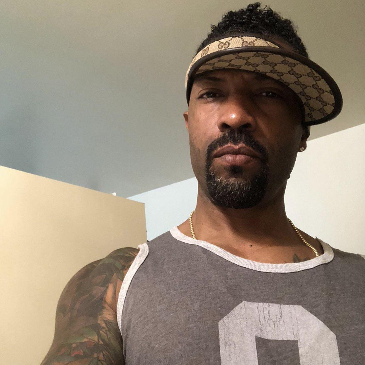DEON COLE Clubhouse