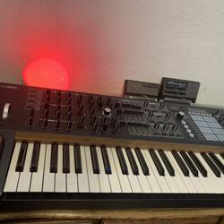 シンセの音作り作業をリアルタイムで垂れ流します。 Clubhouse