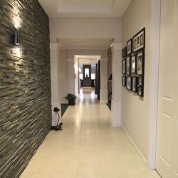 Ганугийн коридор Clubhouse