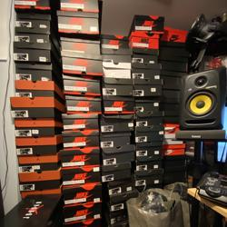 Sneaker Heads Unite  Clubhouse